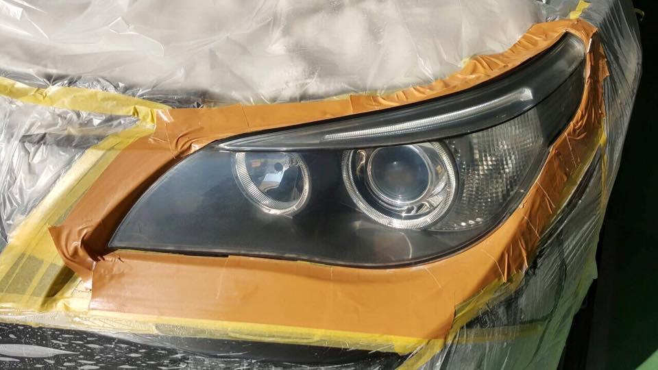 BMWのヘッドライト磨き 研磨中2