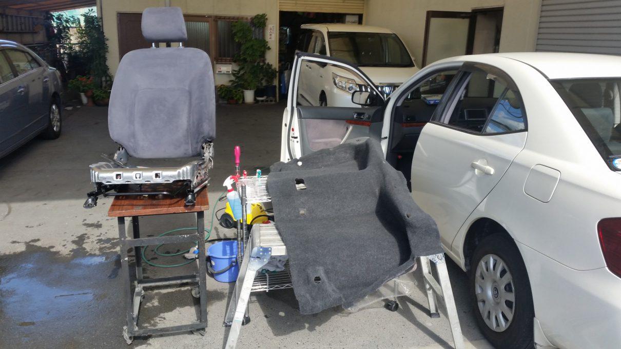 座席とフロアシートを乾燥させる