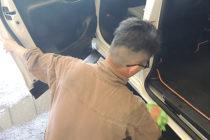 手洗い洗車_flow6_インステップ拭き上げ